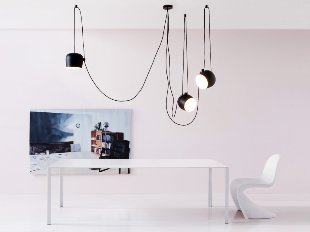 tendance d coration quand les luminaires viennent en grappe holborn. Black Bedroom Furniture Sets. Home Design Ideas